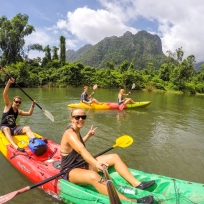 Beim Kayaken in Vang Vieng