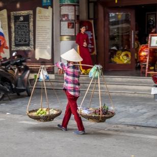 Vietnamesische Strassenhändlerin in Hanoi
