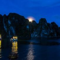 Halong Bucht by Night