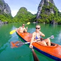 Kayaken in der Halong Bucht